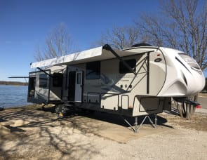 Coachmen Chaparral 392MBL