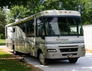 Winnebago Adventurer 37F