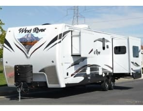Outdoor Sports Wind River 270 RLDS
