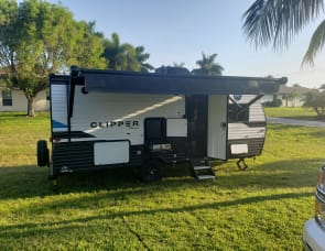 Coachmen RV Clipper Ultra-Lite 182dbu