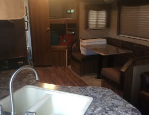 Prime Time RV Avenger 26BDS