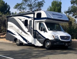 2018 Mercedes Benz 25' Luxury Condo on Wheels!