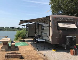 Forest River RV Rockwood Signature Ultra Lite 8329SS