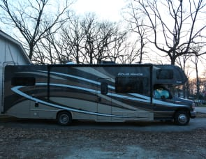 Thor Motor Coach Four Winds 31W