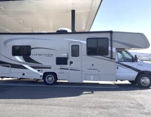 Coachmen RV Leprechaun 270QB Ford 350