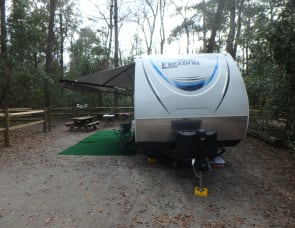 Grand Opening Special $75/night!!!!  Brand New Coachmen Freedom Express Ultra-Lite and 45 Minutes to Fort Wilderness. Free delivery with 7-night or more rental.