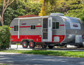 Riverside RV White Water 195 Retro