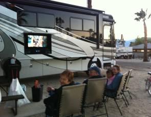 2012 Fleetwood 40G with Bunk Beds, Sleeps 8, Loaded
