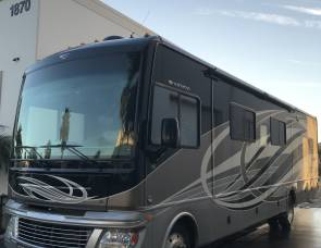 2015 Fleetwood Bounder 36E - NO SPECIAL LICENSE NEEDED!