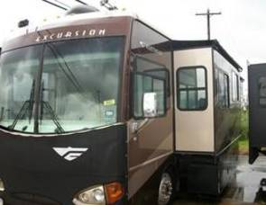 2006 Fleetwood Excursion Diesel Pusher