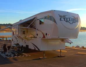 2009 Heartland RVs Cyclone Series M-3210