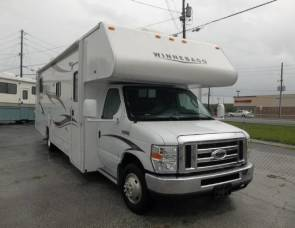 2014 Winnebago Minnie Winnie - owner replies only to 5 night min. rental requests