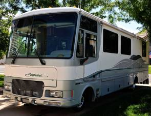 1999 Fleetwood Southwind 32V
