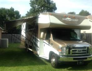 2009 32' Like New Coachman. 40th Anniversary!