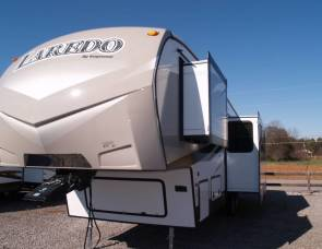 2015 Laredo 293SBH by Keystone