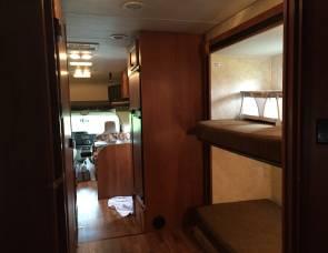 2011 Coachman Freelander 32BH