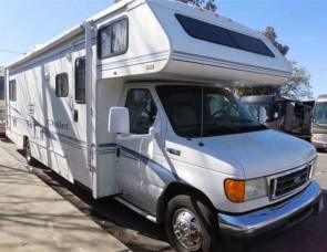 2003 Winnebago 31CR