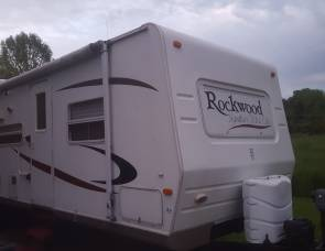 2007 Forest River Rockwood 8317SS