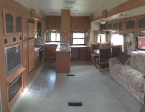 2006 Montana 3295RK