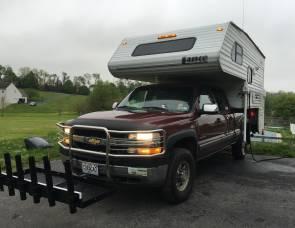 2008 Lance Truck Camper