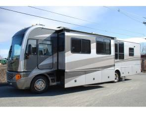 2004 Newly Available Rental! - Fleetwood Pace Arrow 37C