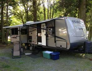 2013 Forest River Tracer 2700RES Executive Series