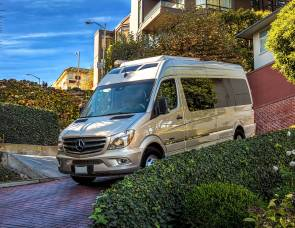 2016 Mercedes Roadtrek CS Adventurous Extended 24' Luxury Sprinter Coach