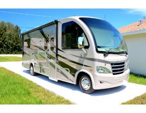 2015 Thor Axis Motorcoach
