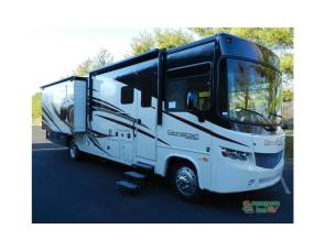 2016 Luxury Georgetown 364ts w/bunkbeds