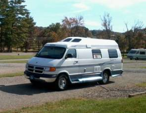 2001 Roadtrek 190 Popular - Complete Housekeeping Kit Included
