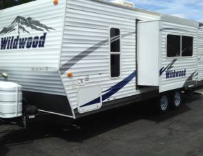 2009 Forest River Wildwood T23FBS