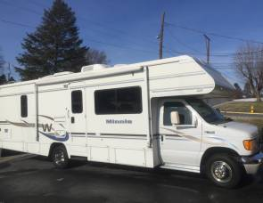 2004 Winnebago Minnie 29B