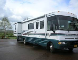 2020 2000 Winnebago, Chieftain