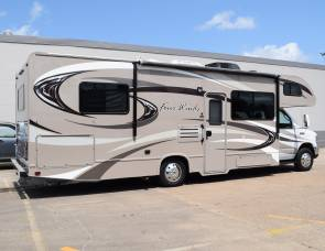 2015 Thor Four Winds Chateau (29')