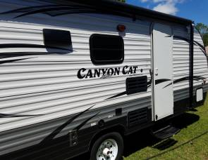2015 Puma Canyon Cat 17qbc