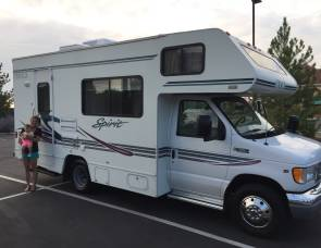 2002 Sleeps 4 Adults 2 Kids - Itasca Spirit 22'