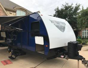 2017 Winnebago Minnie 2455BH