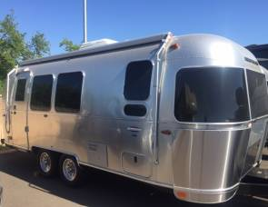 2017 Airstream International Signature Series