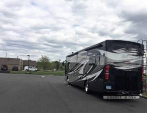 2014 FOREST RIVER BERKSHIRE 400QL