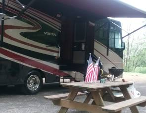 2015 Winnebago 30T Handicap Accessible