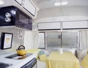 2016 Airstream. Great Temp Home