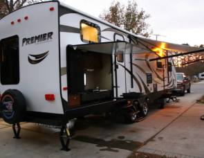 2014 *Loaded* Keystone Premier Ultra Lite by Bullet 31BHPR