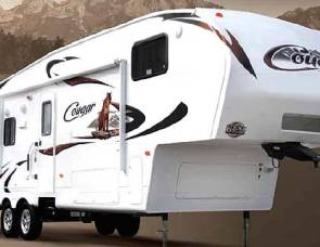 2009 Cougar fifth wheel
