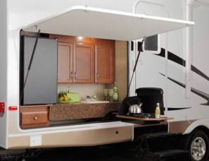 2010 Colorado  31' 2 slide outdoor kitchen