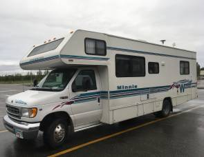 2000 Winnebago Minnie