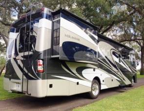 2016 Thor Miramar with King Suite and Bunkhouse