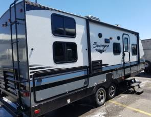 2018 Forest river Surveyor 245bhs