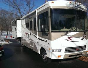 2007 Winnenago Sightseer 35j