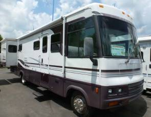 2002 Winnebago Adventurer