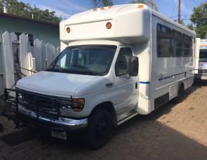 2003 Ford 450 Adventures bus/Van